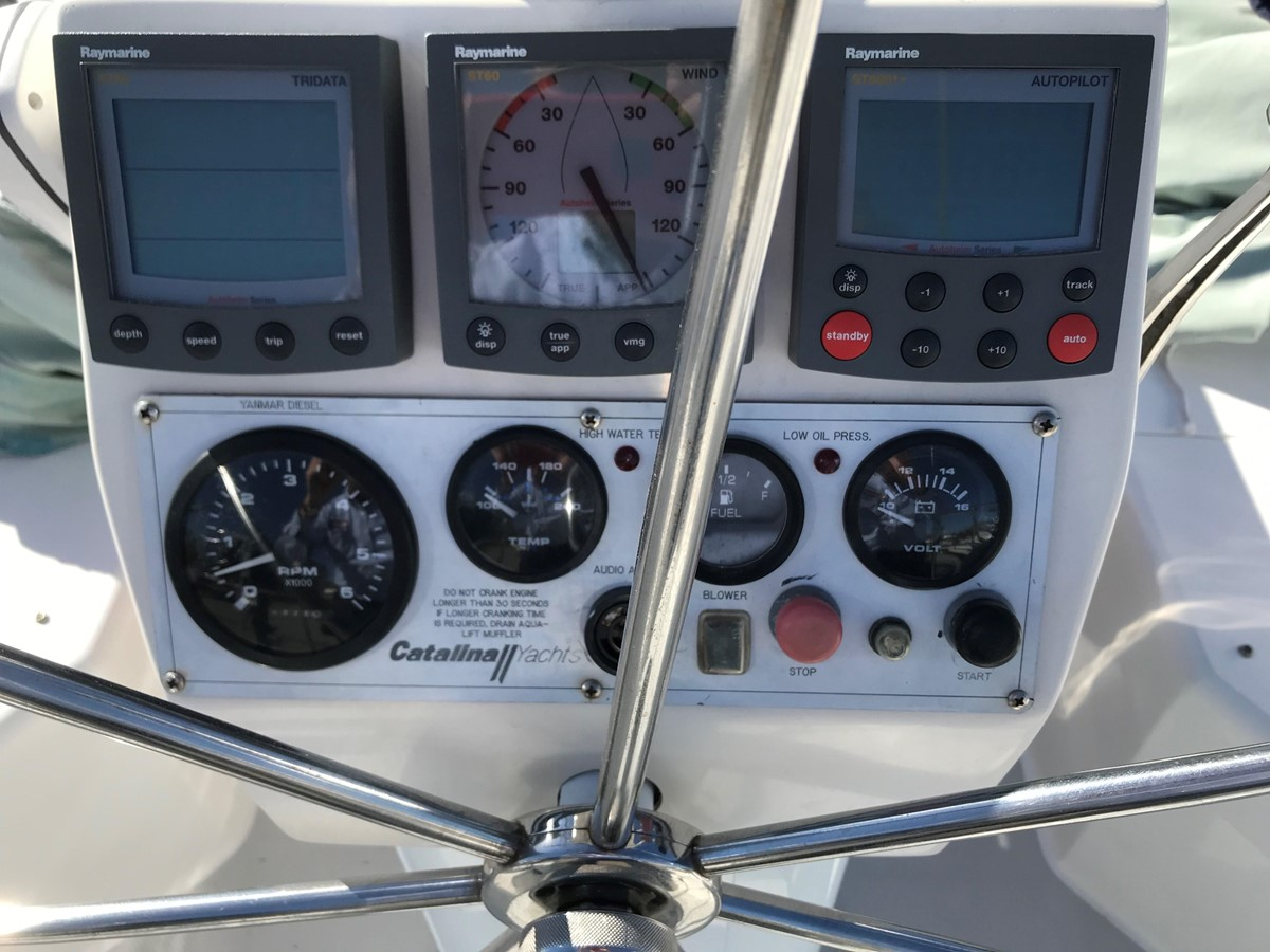 2004 CATALINA 42 MkII Cruising Sailboat 2862594