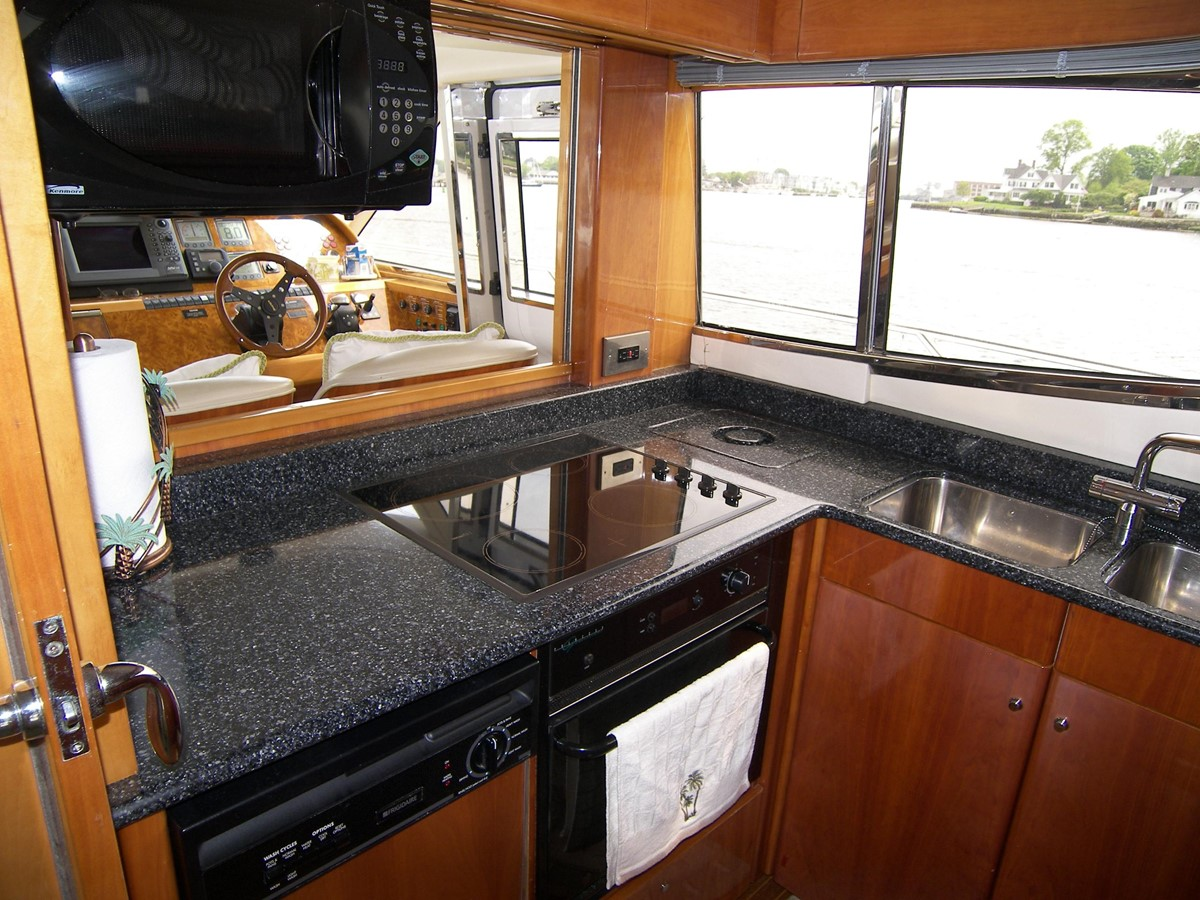 Galley 2001 VIKING SPORT CRUISERS 68 Motor Yacht  2862872