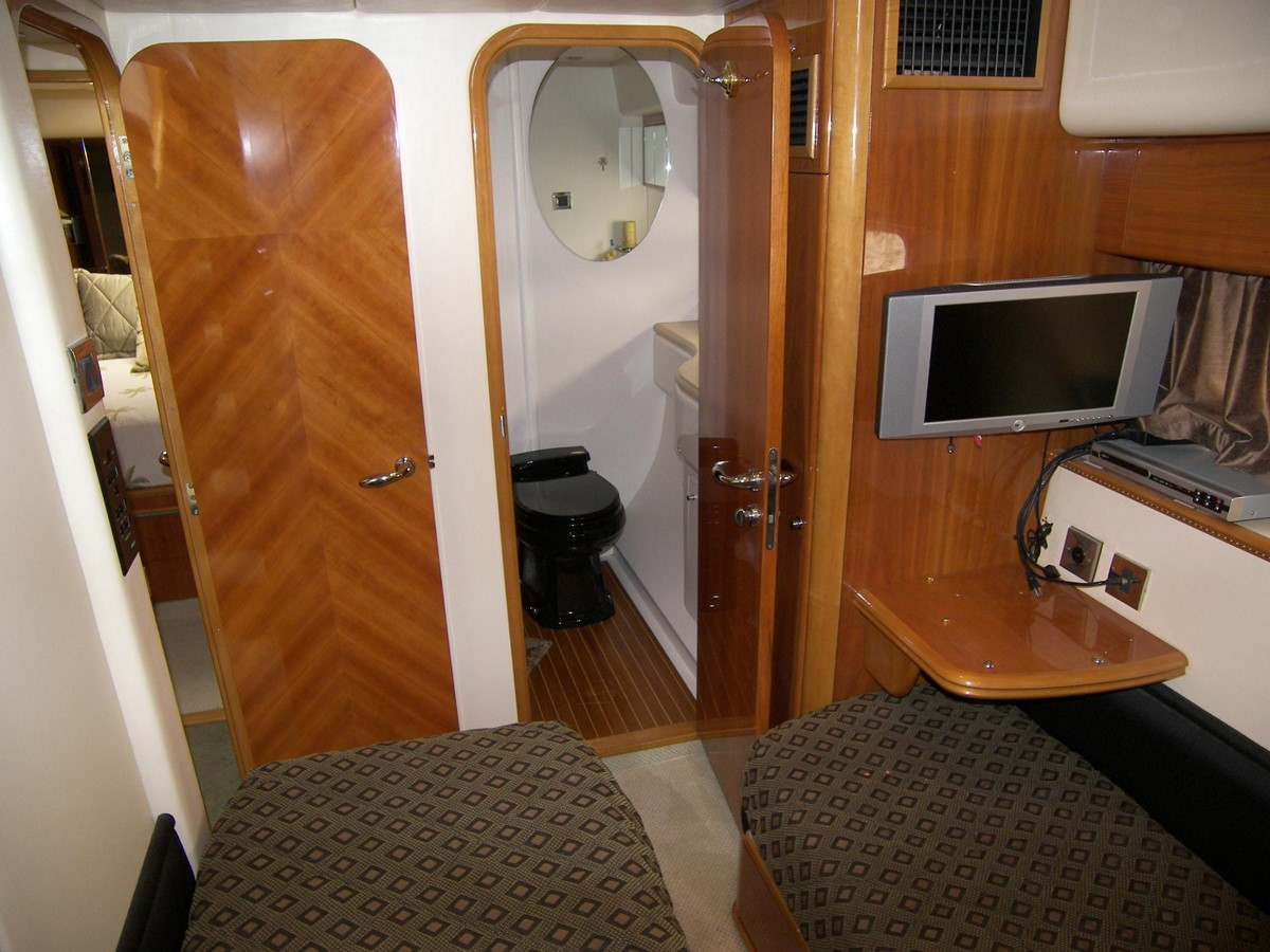 Starboard Side Guest Cabin Looking Forward 2001 VIKING SPORT CRUISERS 68 Motor Yacht  2862884