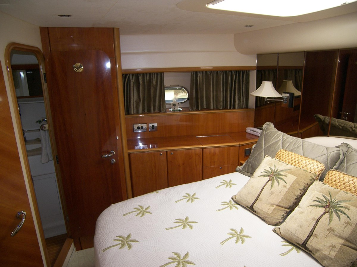 Forward VIP Stateroom W/ Ensuite Head 2001 VIKING SPORT CRUISERS 68 Motor Yacht  2862887