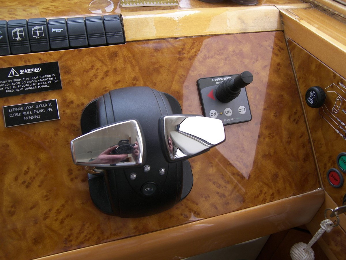 Lower Helm Electronic Gear & Throttle, Bow Thruster 2001 VIKING SPORT CRUISERS 68 Motor Yacht  2862907