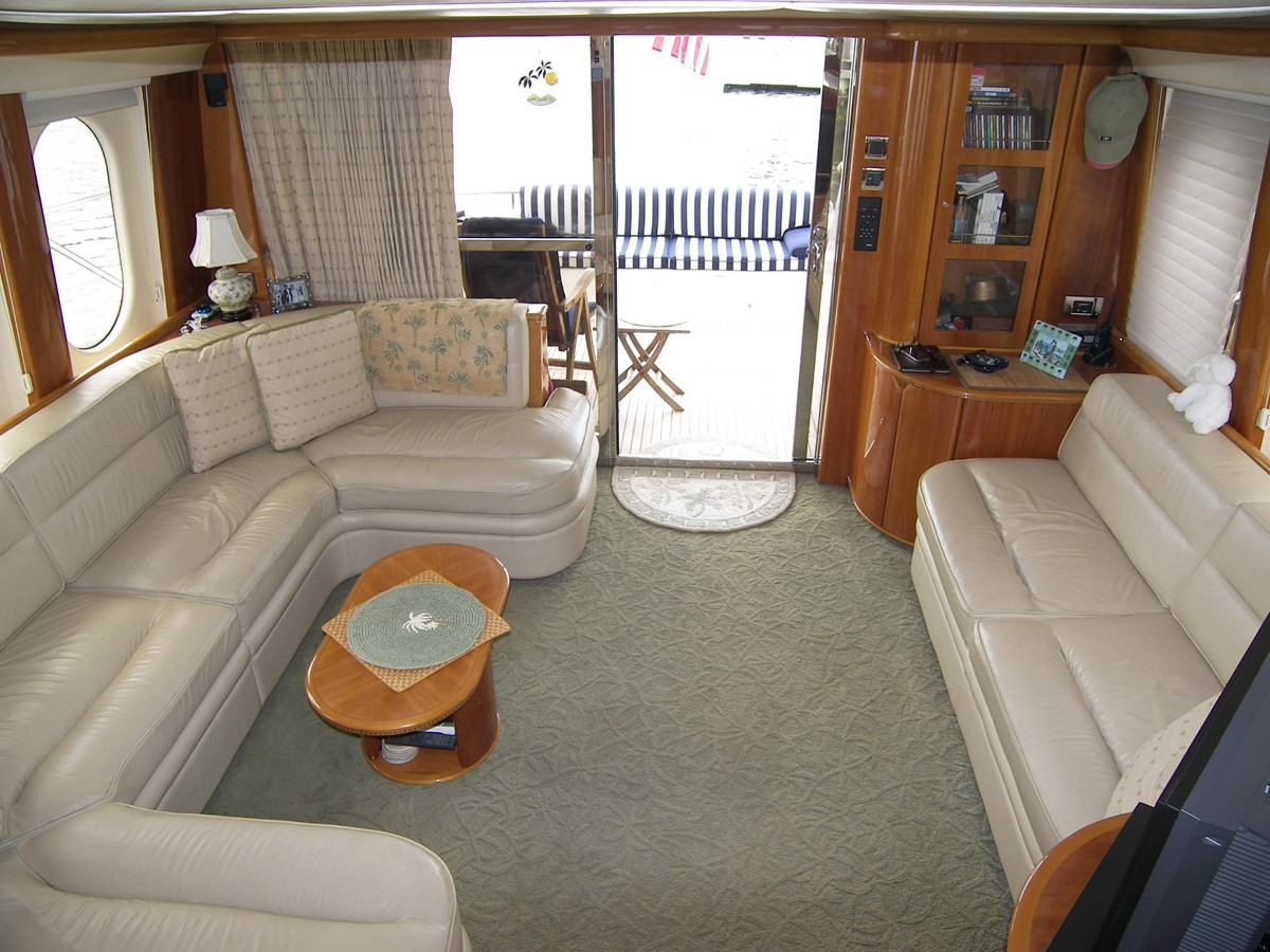 Salon looking Aft 2001 VIKING SPORT CRUISERS 68 Motor Yacht  2862940