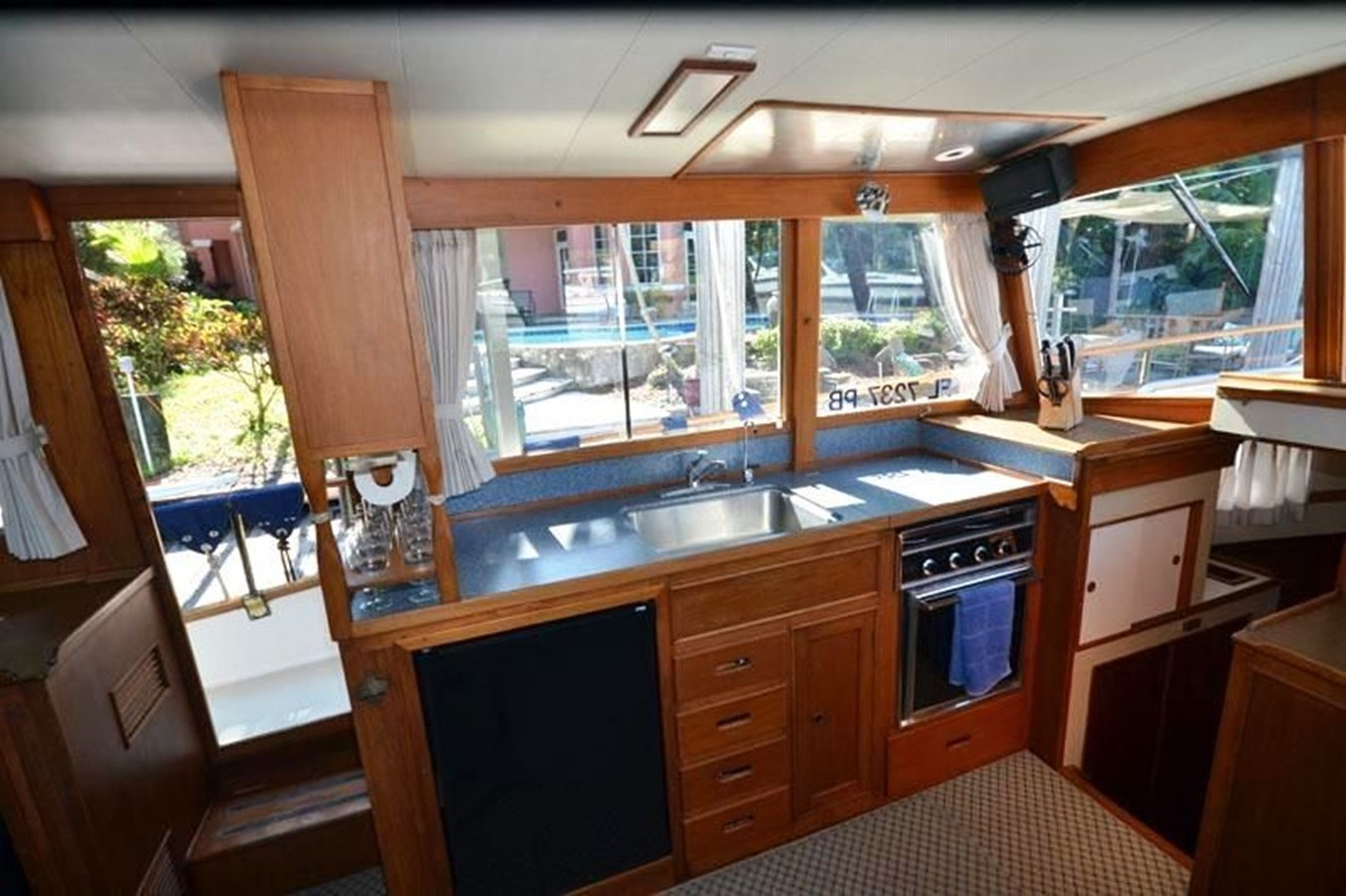 Galley, port side 1980 GRAND BANKS 42 Classic Trawler 2865678