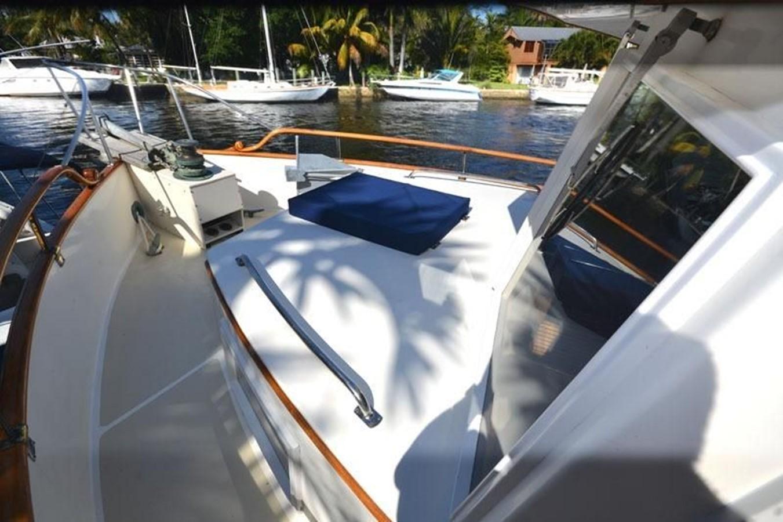 Deck forward, port side 1980 GRAND BANKS 42 Classic Trawler 2865679