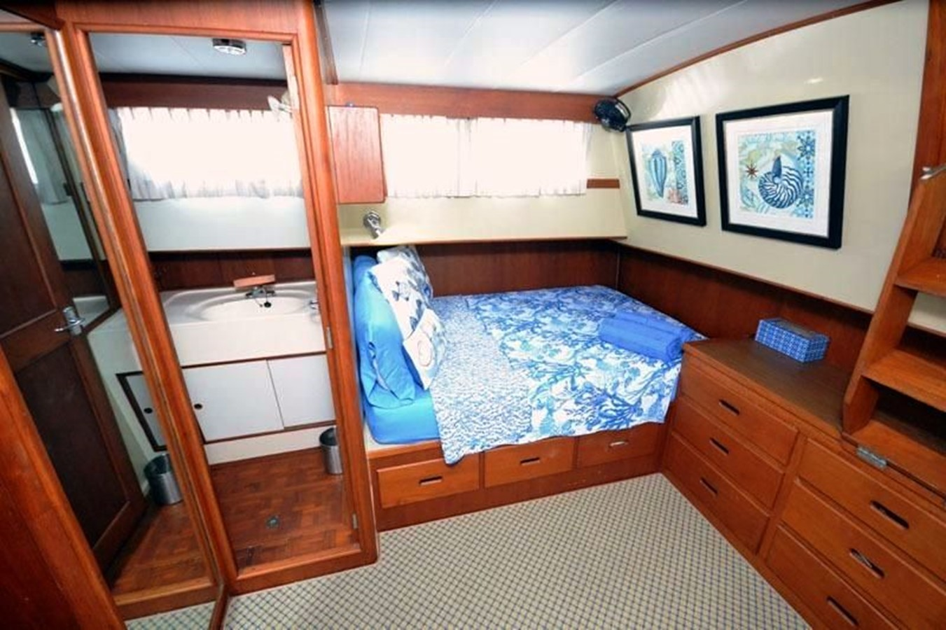 Aft Cabin, starboard side 1980 GRAND BANKS 42 Classic Trawler 2865682
