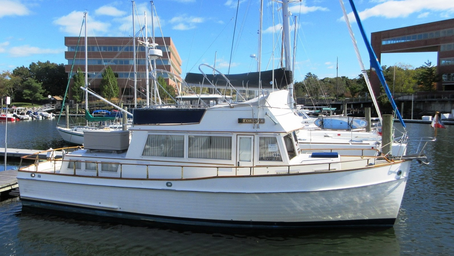 FOREVER (Oct '19) 1980 GRAND BANKS 42 Classic Trawler 2865686