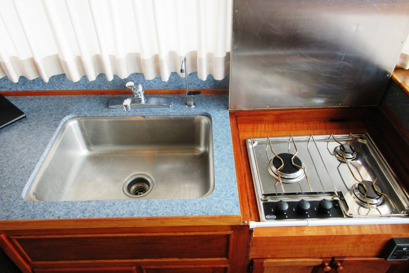 Galley detail 1980 GRAND BANKS 42 Classic Trawler 2865711