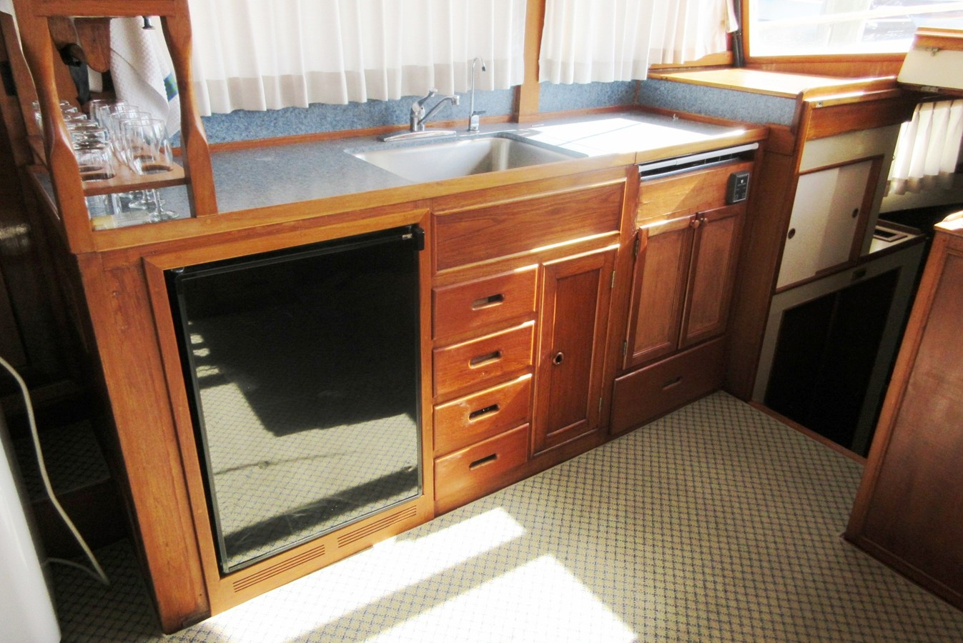 Galley 1980 GRAND BANKS 42 Classic Trawler 2865712