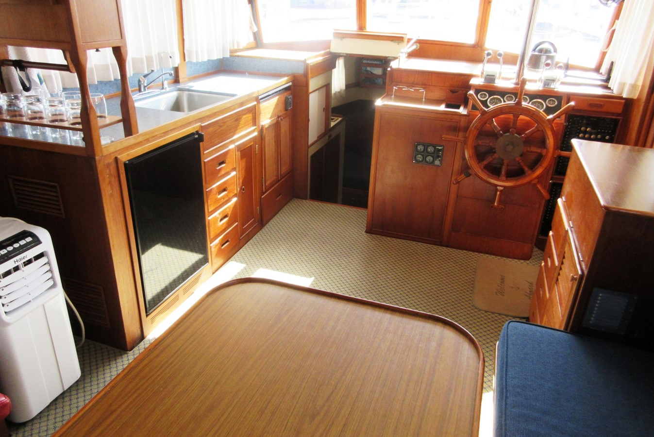 Salon, forward to Galley, Fore Cabin entrance & Helm Station 1980 GRAND BANKS 42 Classic Trawler 2865716