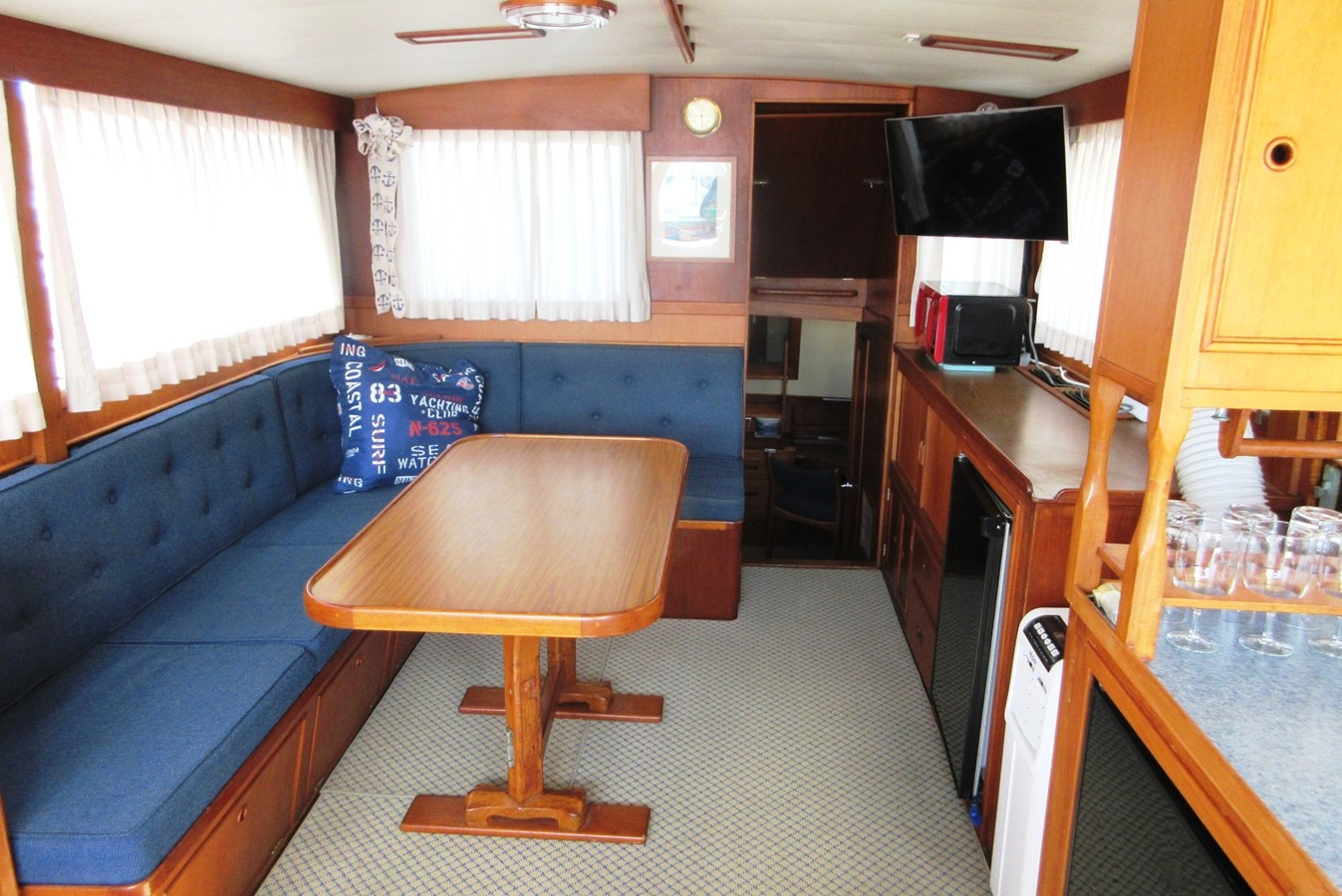Salon to Aft Cabin entrance 1980 GRAND BANKS 42 Classic Trawler 2865741