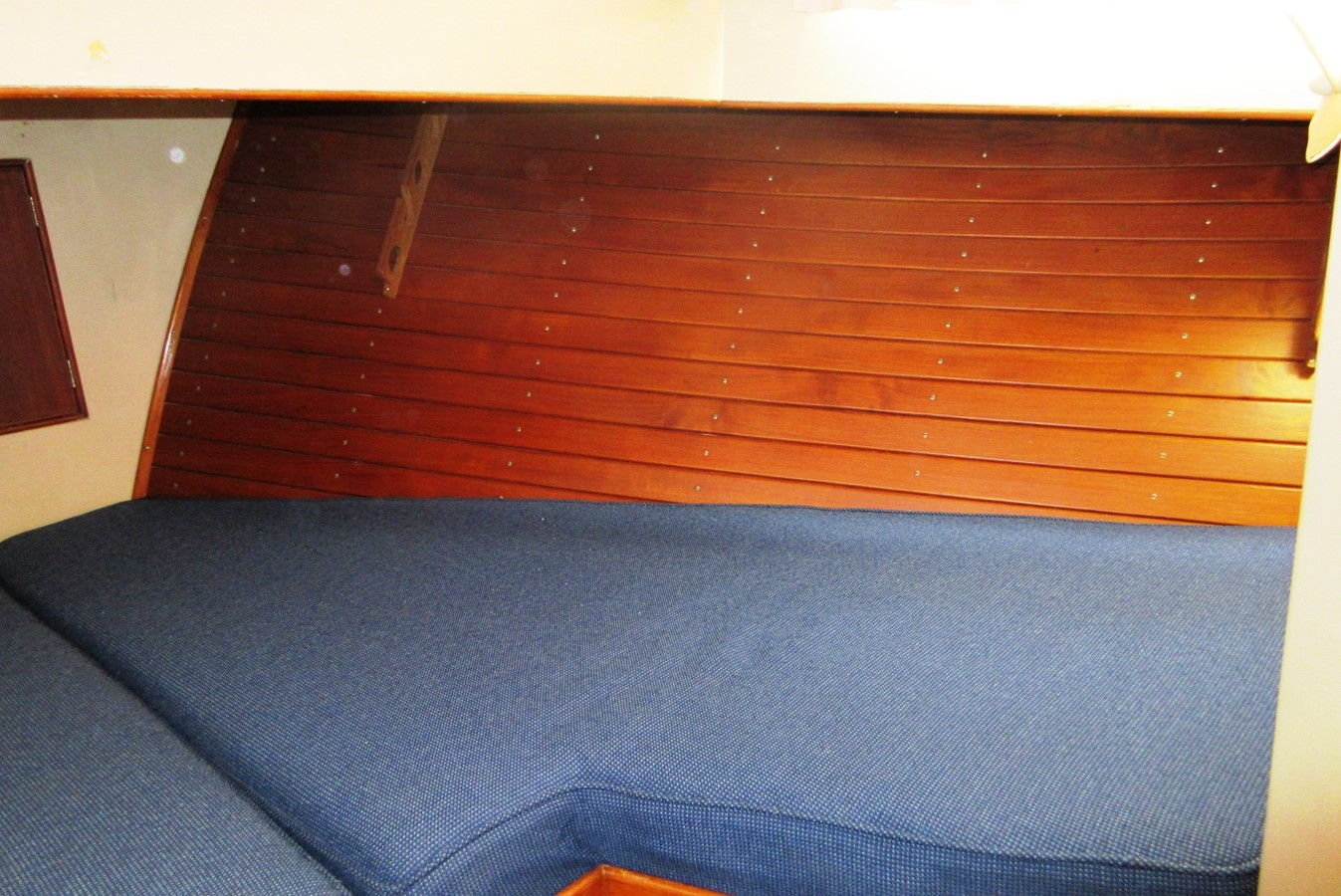 Fore Cabin, starboard side 1980 GRAND BANKS 42 Classic Trawler 2865742