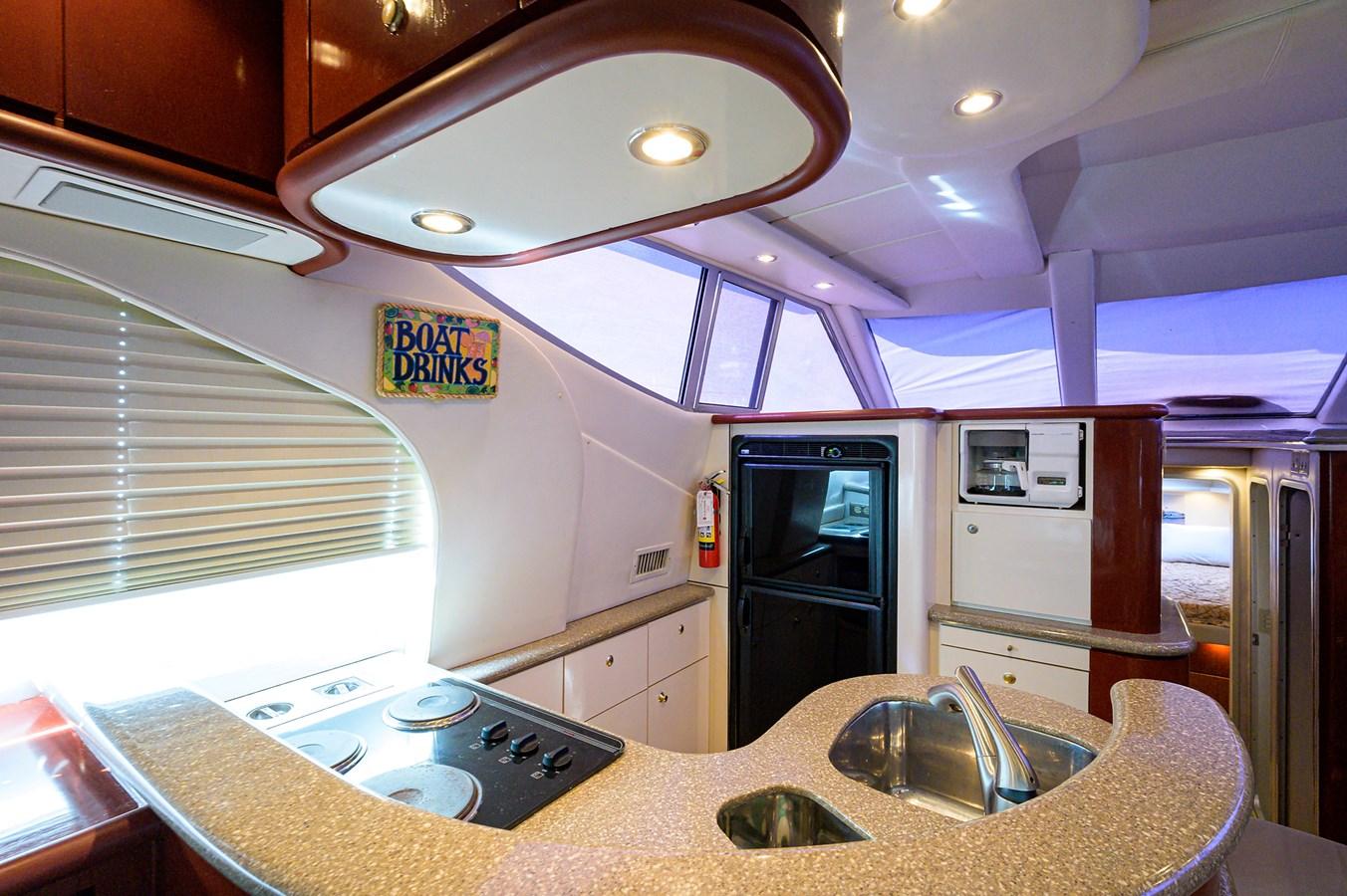 Galley 1999 MAXUM 4600 SCB  Cruiser 2884987