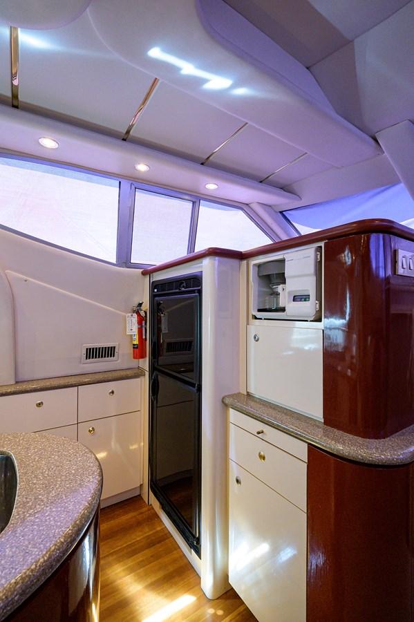 Galley 1999 MAXUM 4600 SCB  Cruiser 2884988