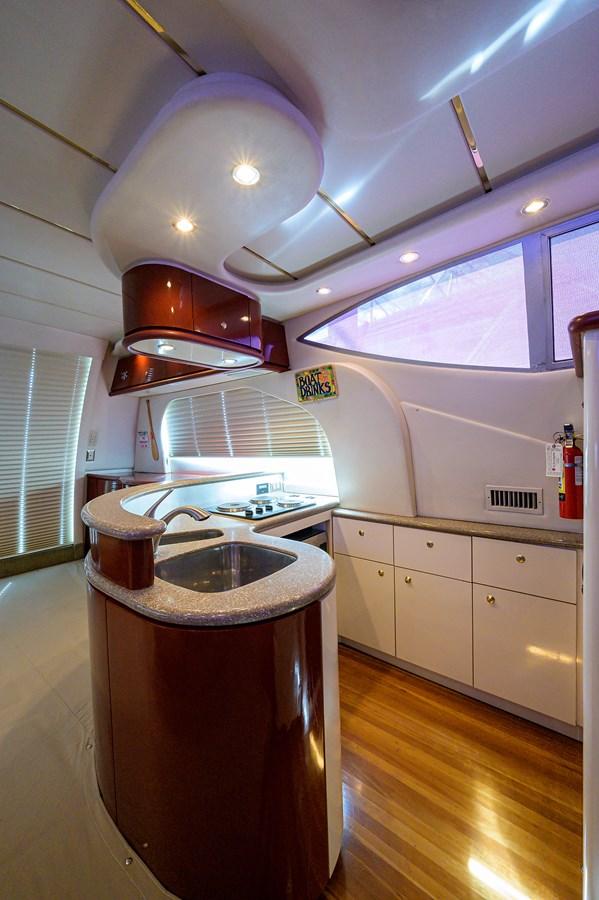 Galley 1999 MAXUM 4600 SCB  Cruiser 2884989