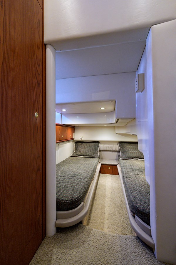 Guest Stateroom 1999 MAXUM 4600 SCB  Cruiser 2885002