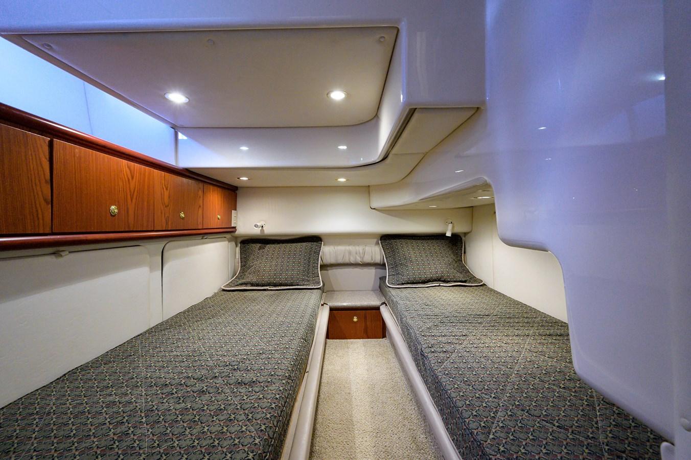 Guest Stateroom 1999 MAXUM 4600 SCB  Cruiser 2885003