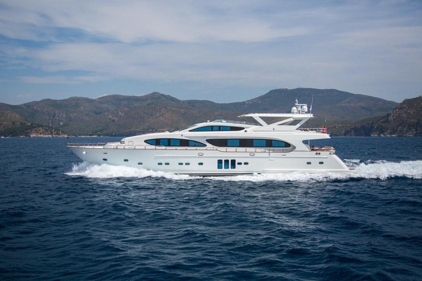 LA ROSA yacht for sale