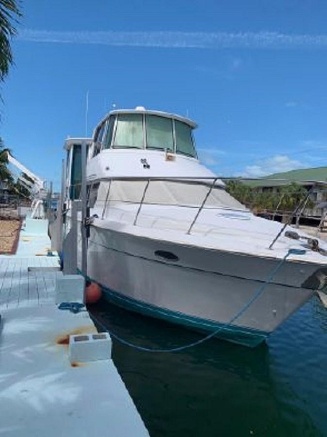 263306 1997 CARVER  Motor Yacht 2883393