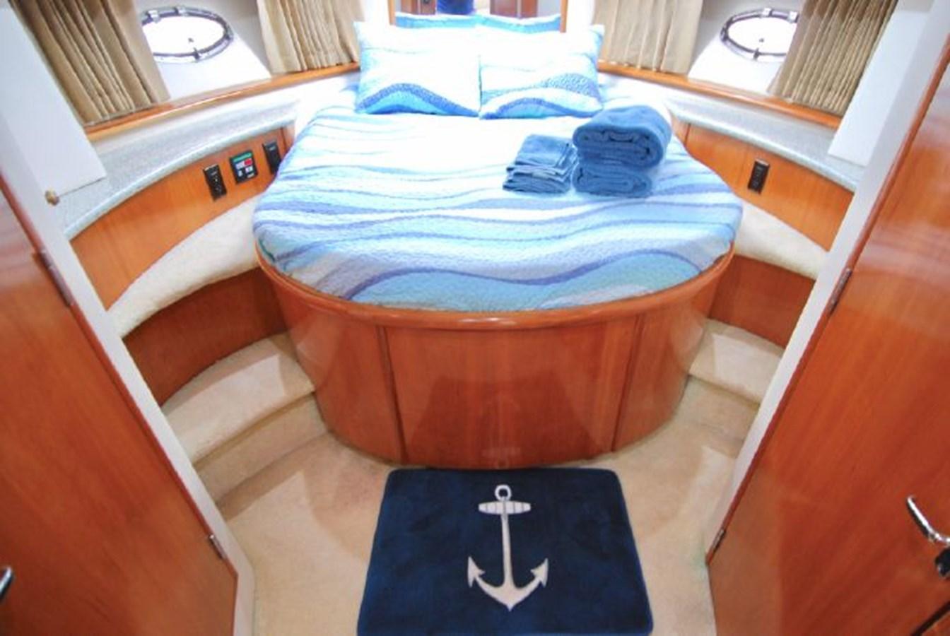 18 2001 CARVER 444 Cockpit Motor yacht Motor Yacht 2885794