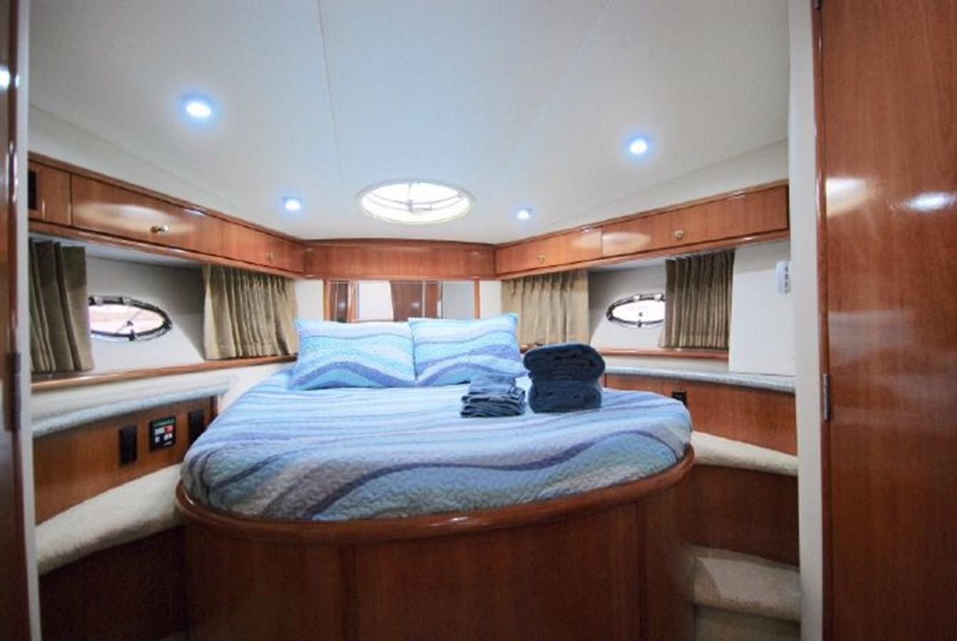 19 2001 CARVER 444 Cockpit Motor yacht Motor Yacht 2885795