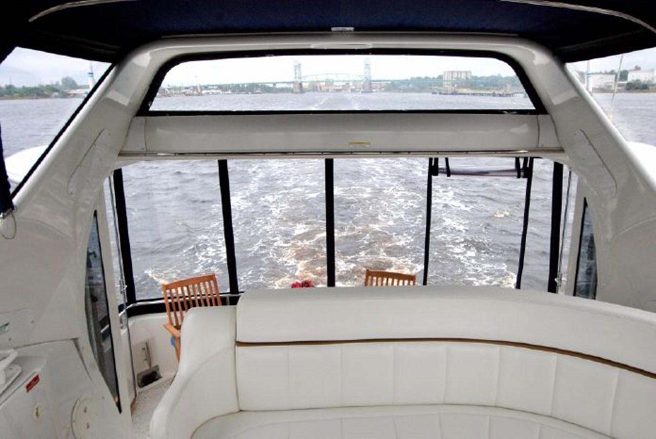 38 2001 CARVER 444 Cockpit Motor yacht Motor Yacht 2885814