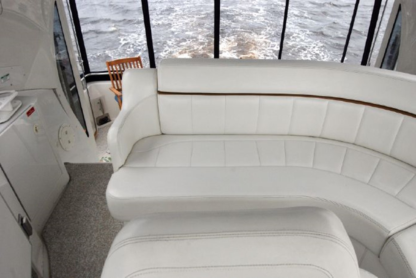 39 2001 CARVER 444 Cockpit Motor yacht Motor Yacht 2885815