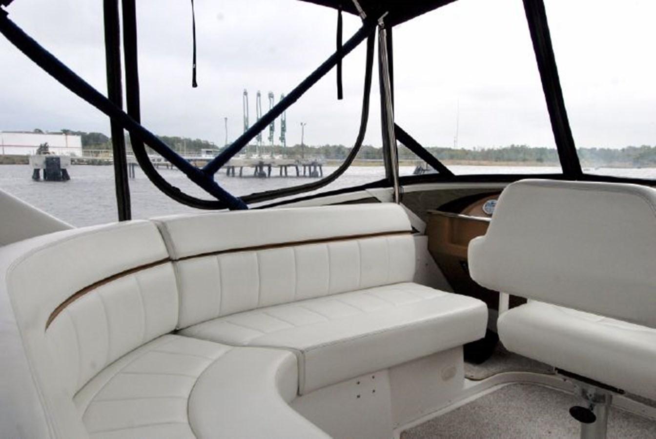 40 2001 CARVER 444 Cockpit Motor yacht Motor Yacht 2885816