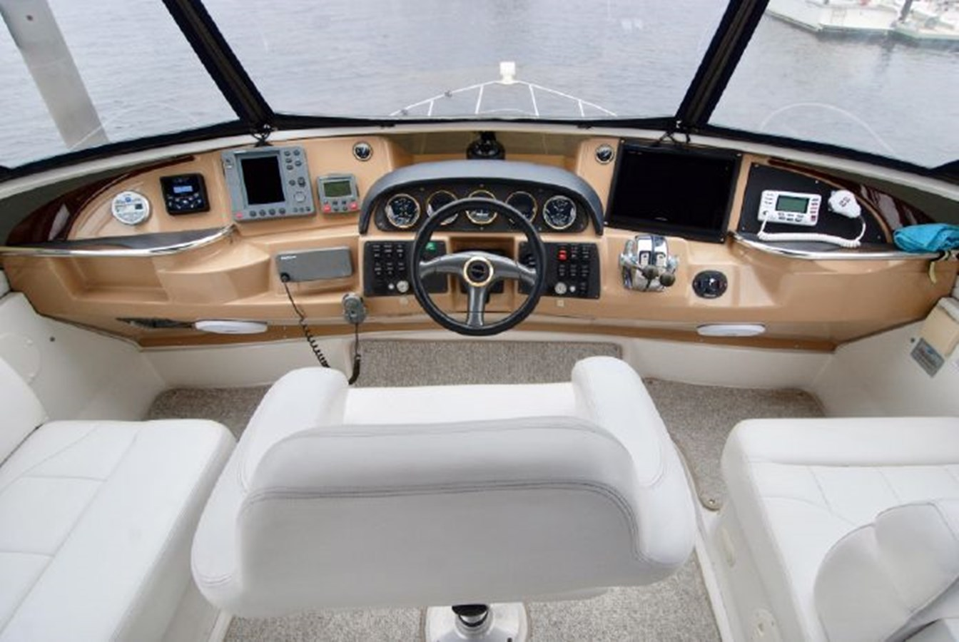 41 2001 CARVER 444 Cockpit Motor yacht Motor Yacht 2885817