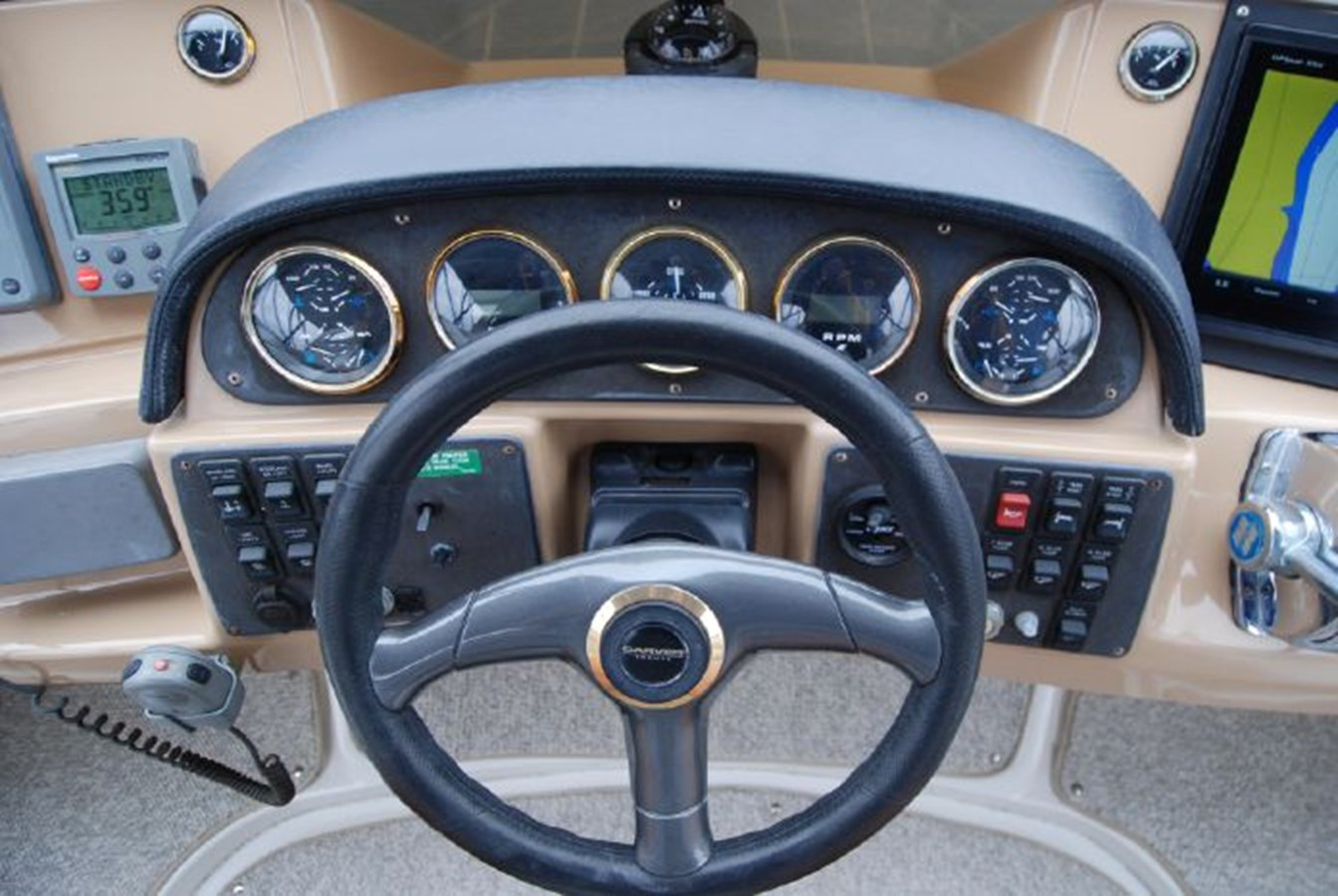 43 2001 CARVER 444 Cockpit Motor yacht Motor Yacht 2885819