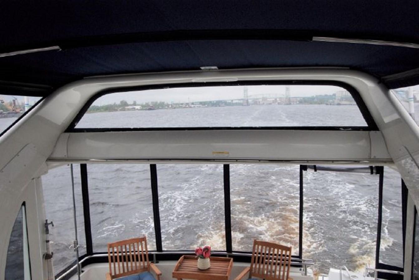 47 2001 CARVER 444 Cockpit Motor yacht Motor Yacht 2885823