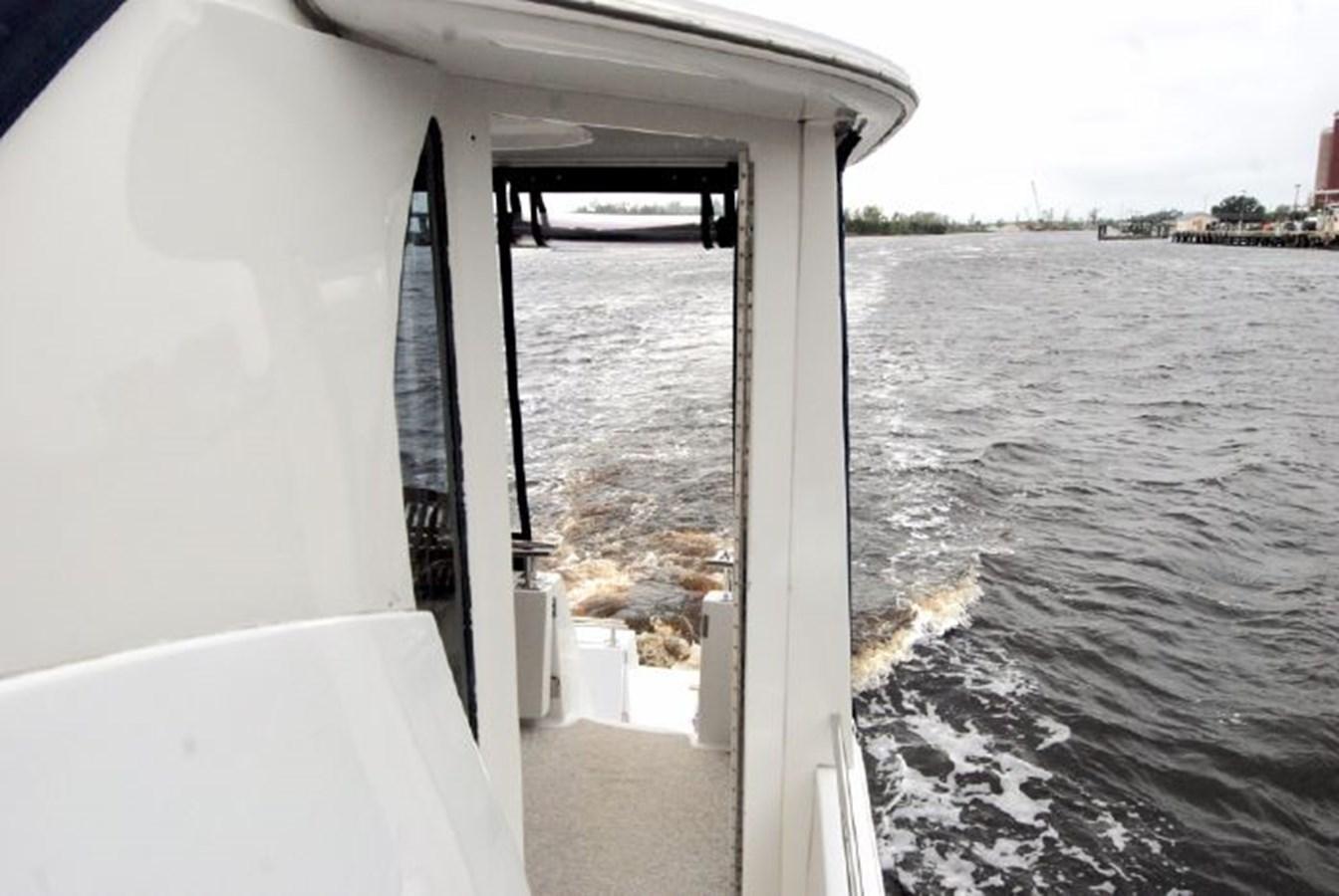 54 2001 CARVER 444 Cockpit Motor yacht Motor Yacht 2885830