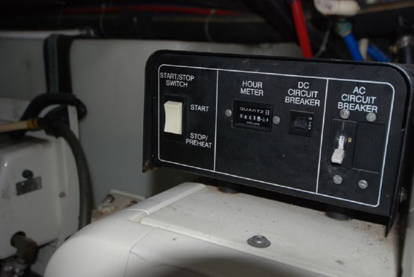 71 2001 CARVER 444 Cockpit Motor yacht Motor Yacht 2885847