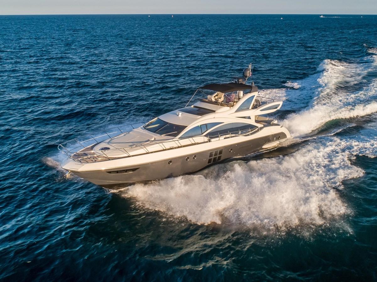 7043236_20190419103226835_1_XLARGE 2013 AZIMUT 72S Motor Yacht 2887397