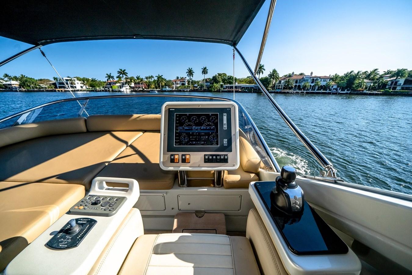 7043236_20190419105954934_1_XLARGE 2013 AZIMUT 72S Motor Yacht 2887490