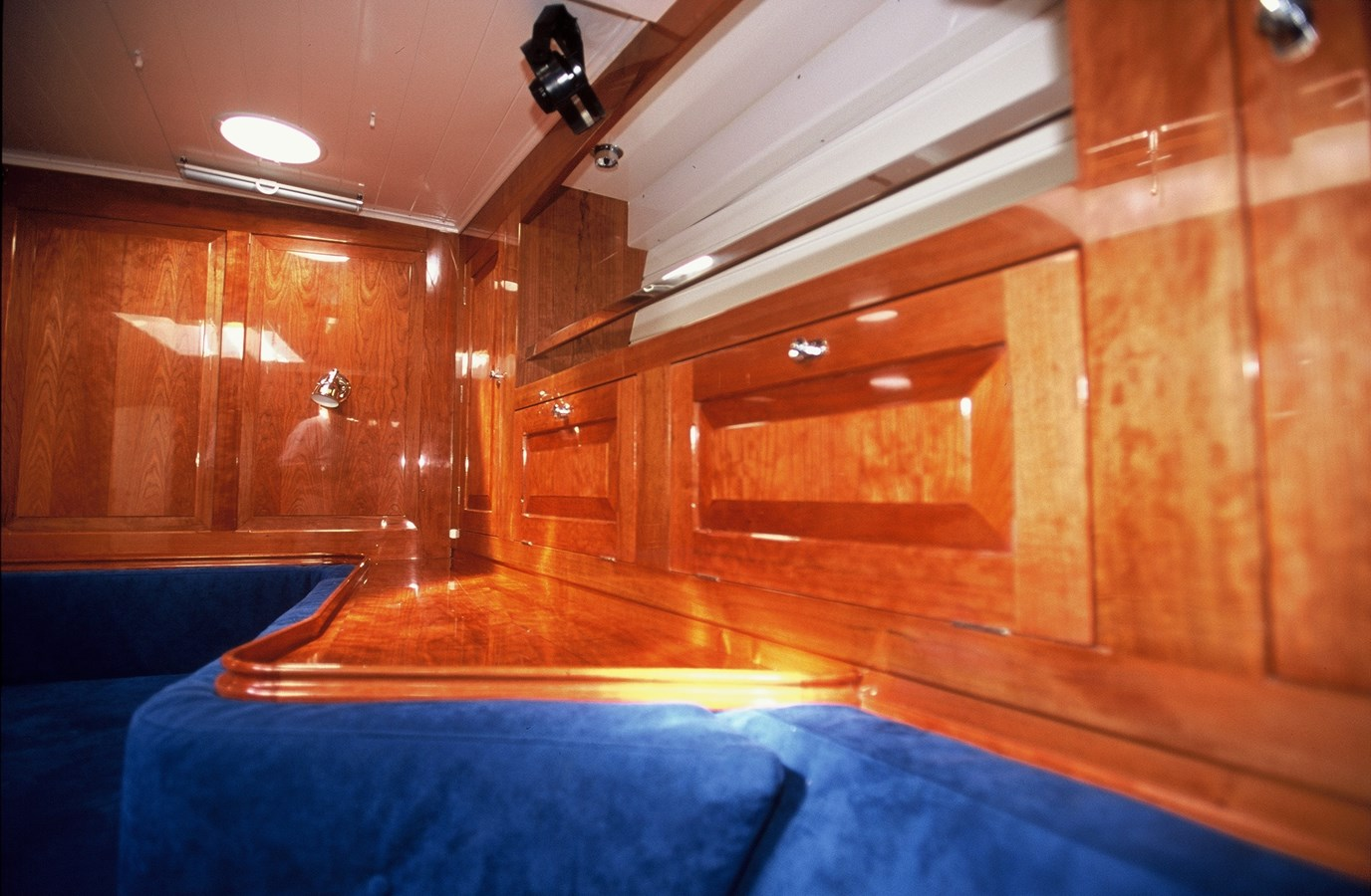 Detail Owners cabin 2001 OLSEN  Classic Yacht 2888226