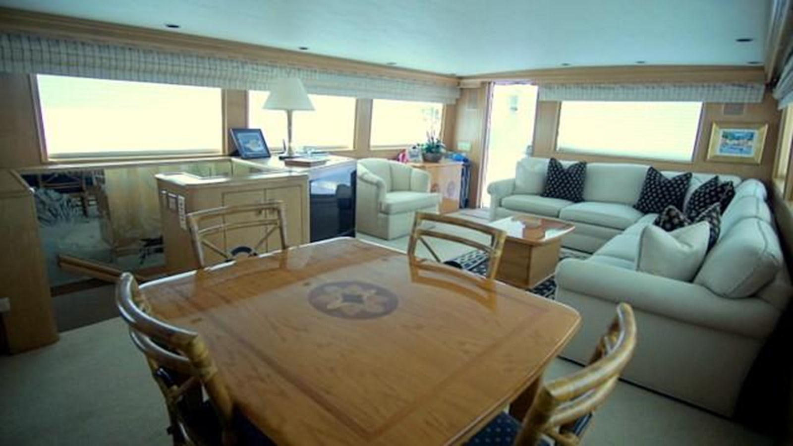4 1997 HATTERAS Sport Deck Motor Yacht 2893852