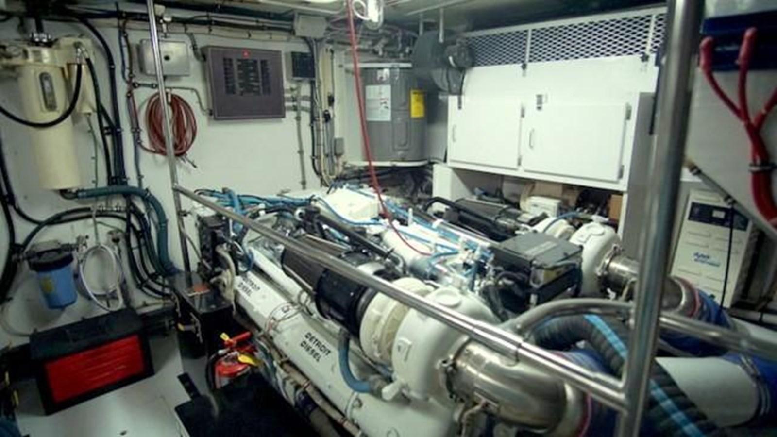 36 1997 HATTERAS Sport Deck Motor Yacht 2893884
