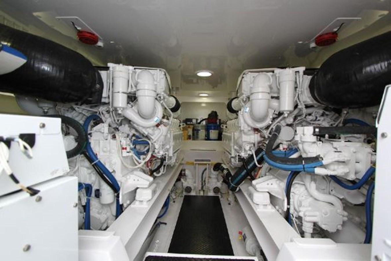3693717_20180309043856653_1_XLARGE 2011 VIKING  Motor Yacht 2897350
