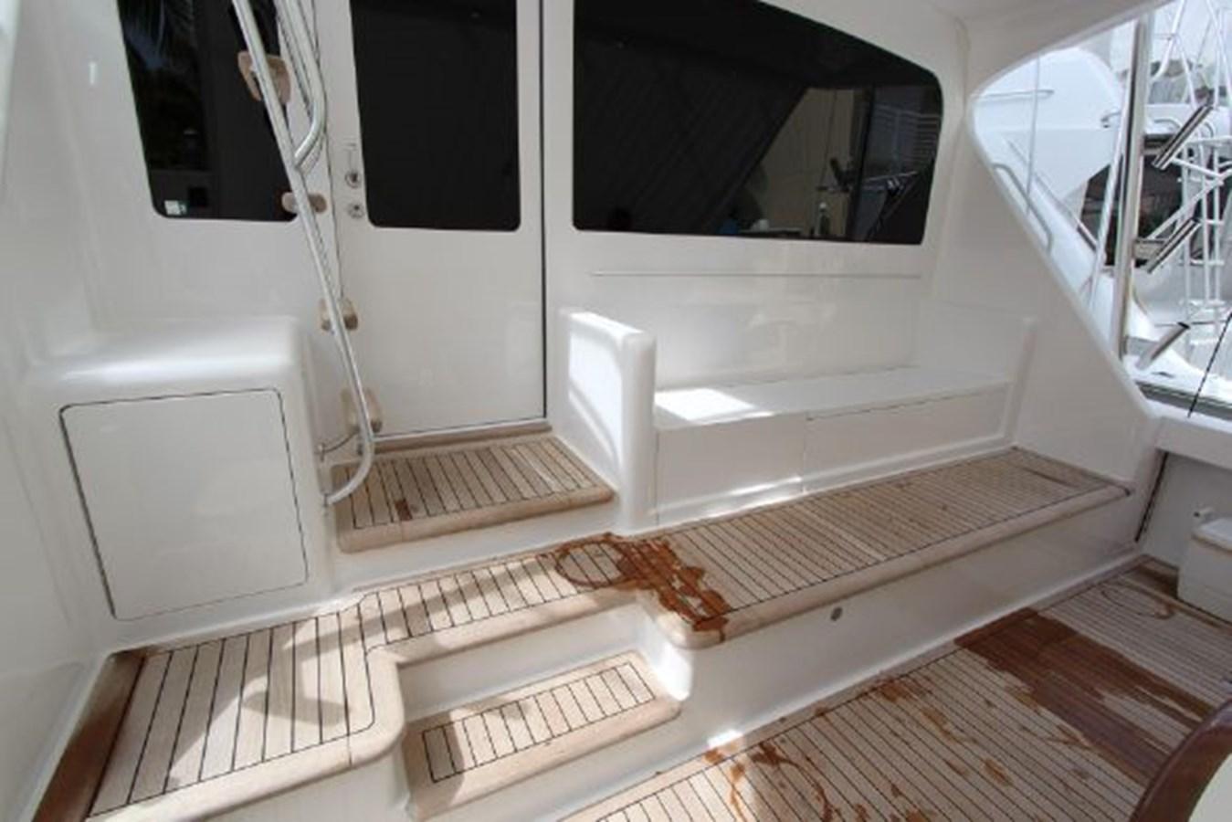 3693717_20180309043913493_1_XLARGE 2011 VIKING  Motor Yacht 2897356