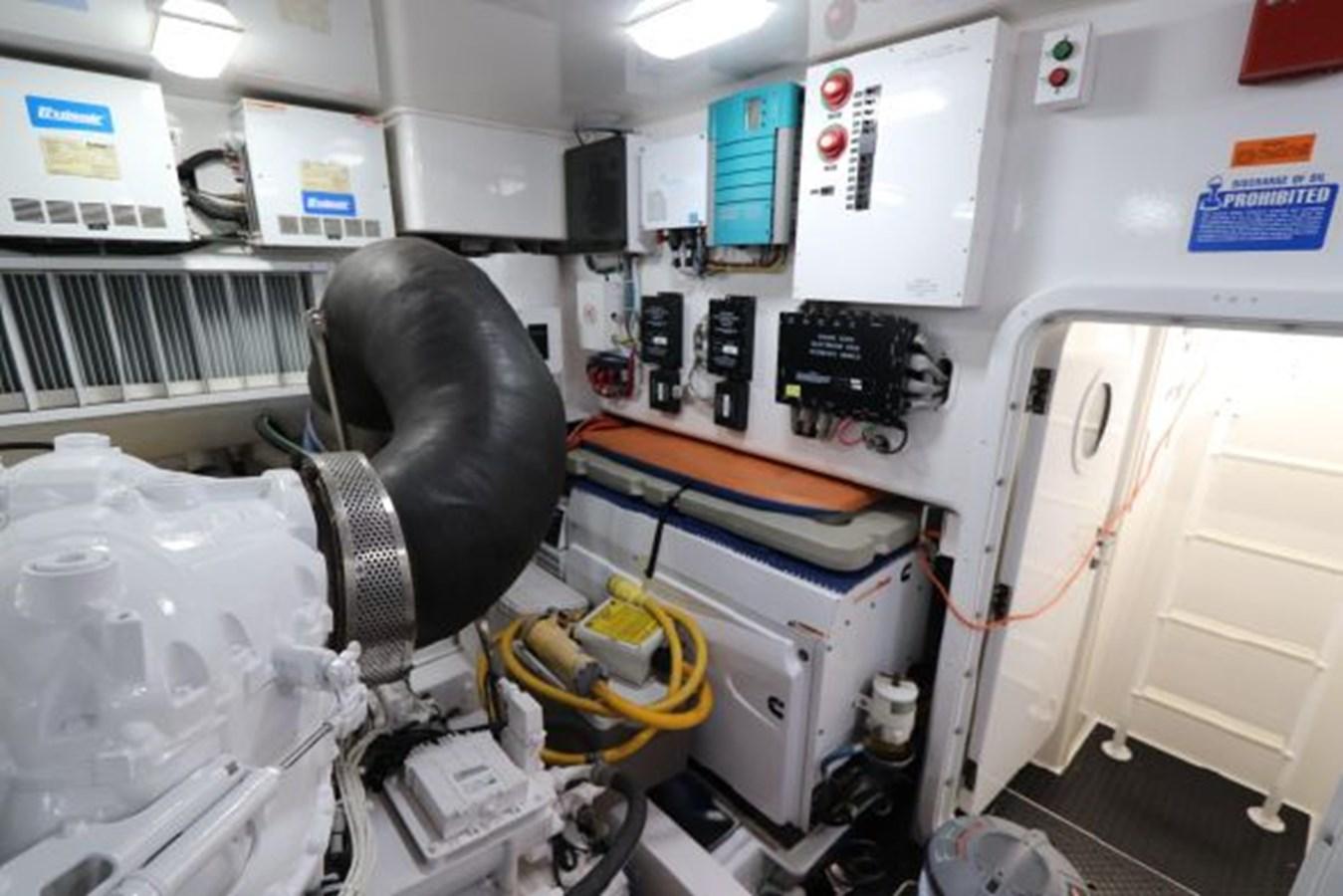 5479666_20190321074915741_1_XLARGE 2011 VIKING  Motor Yacht 2897387