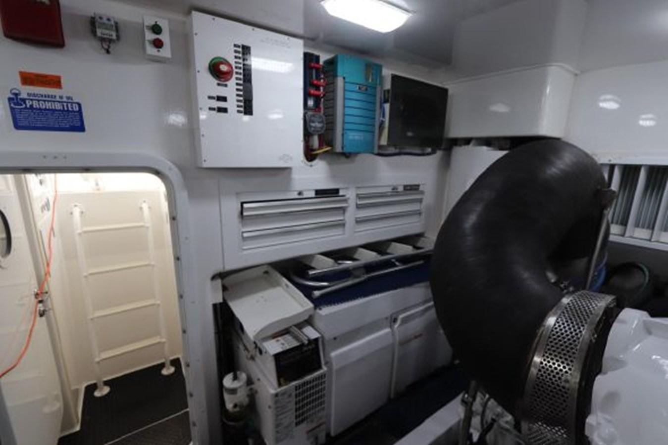 5479666_20190321074917651_1_XLARGE 2011 VIKING  Motor Yacht 2897388