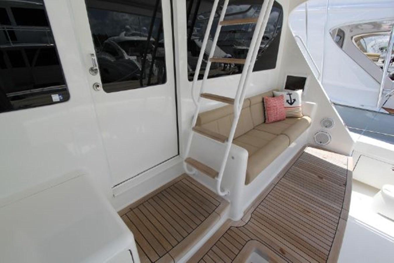 rd38 2010 VIKING  Motor Yacht 2897487