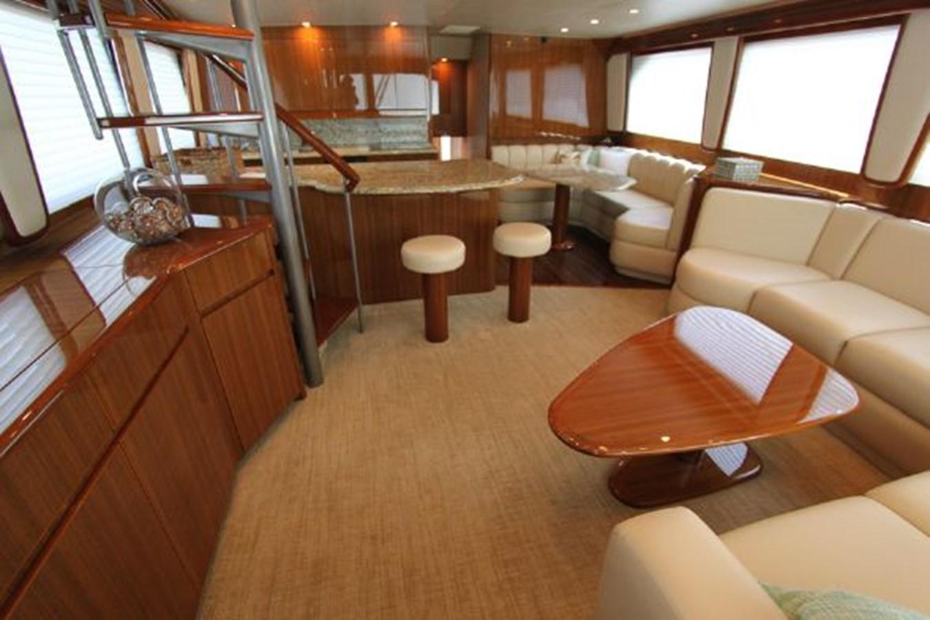 rd1 2010 VIKING  Motor Yacht 2897493