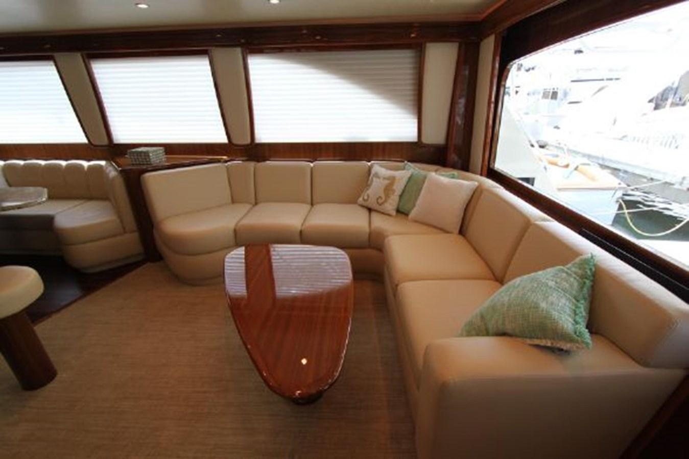 rd2 2010 VIKING  Motor Yacht 2897494