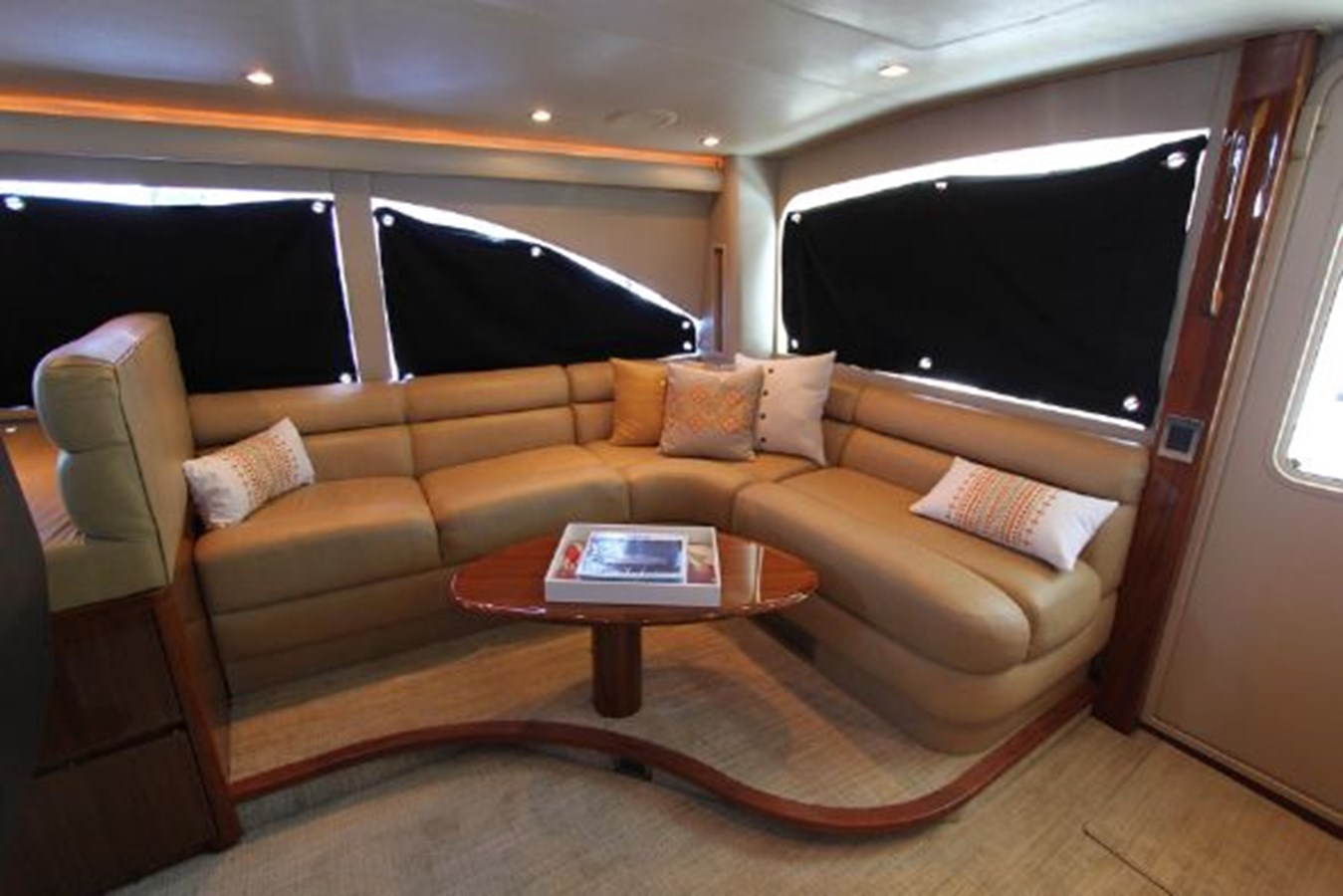 rd13 2010 VIKING  Motor Yacht 2897505
