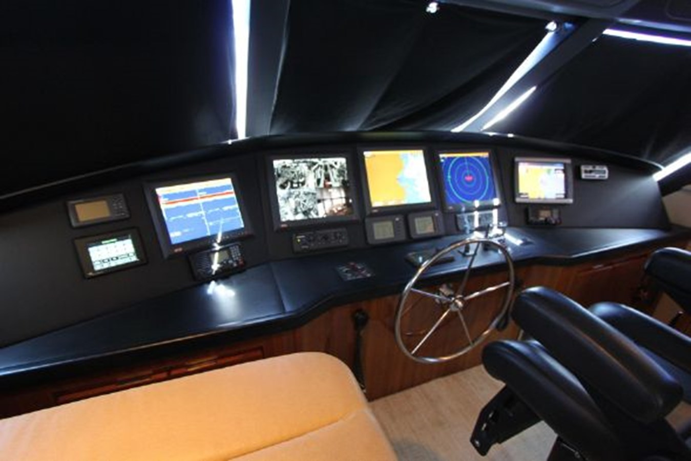 rd17 2010 VIKING  Motor Yacht 2897509