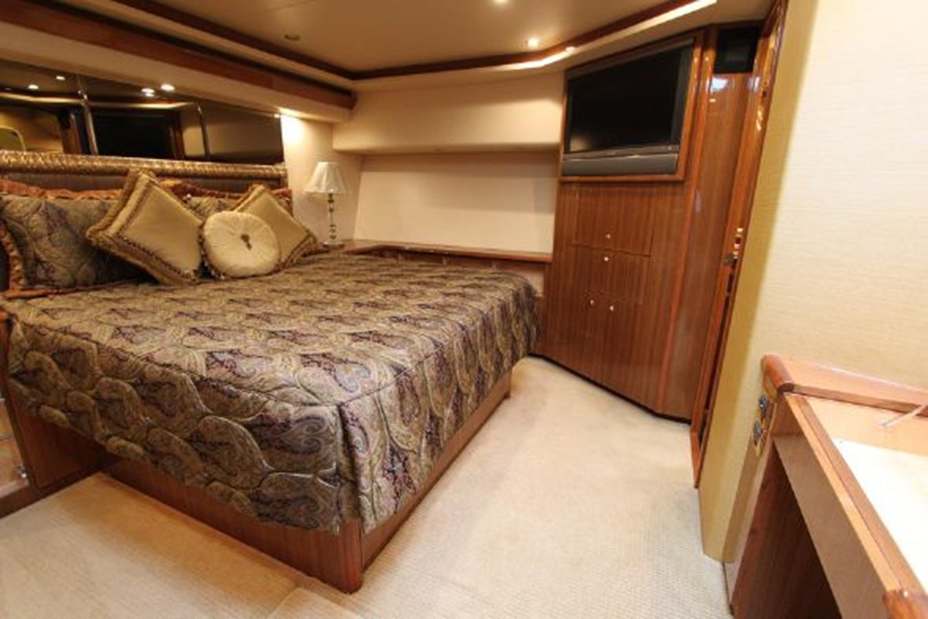 5628131_20160203123645910_1_XLARGE 2006 VIKING  Motor Yacht 2897532