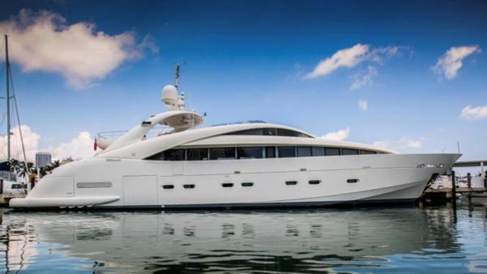 Happy Hour yacht for sale