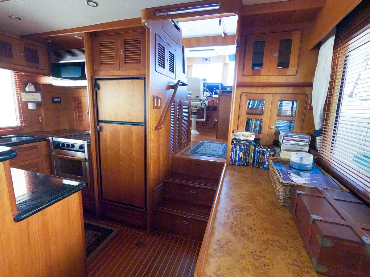30 2006 SELENE  Trawler 2898306