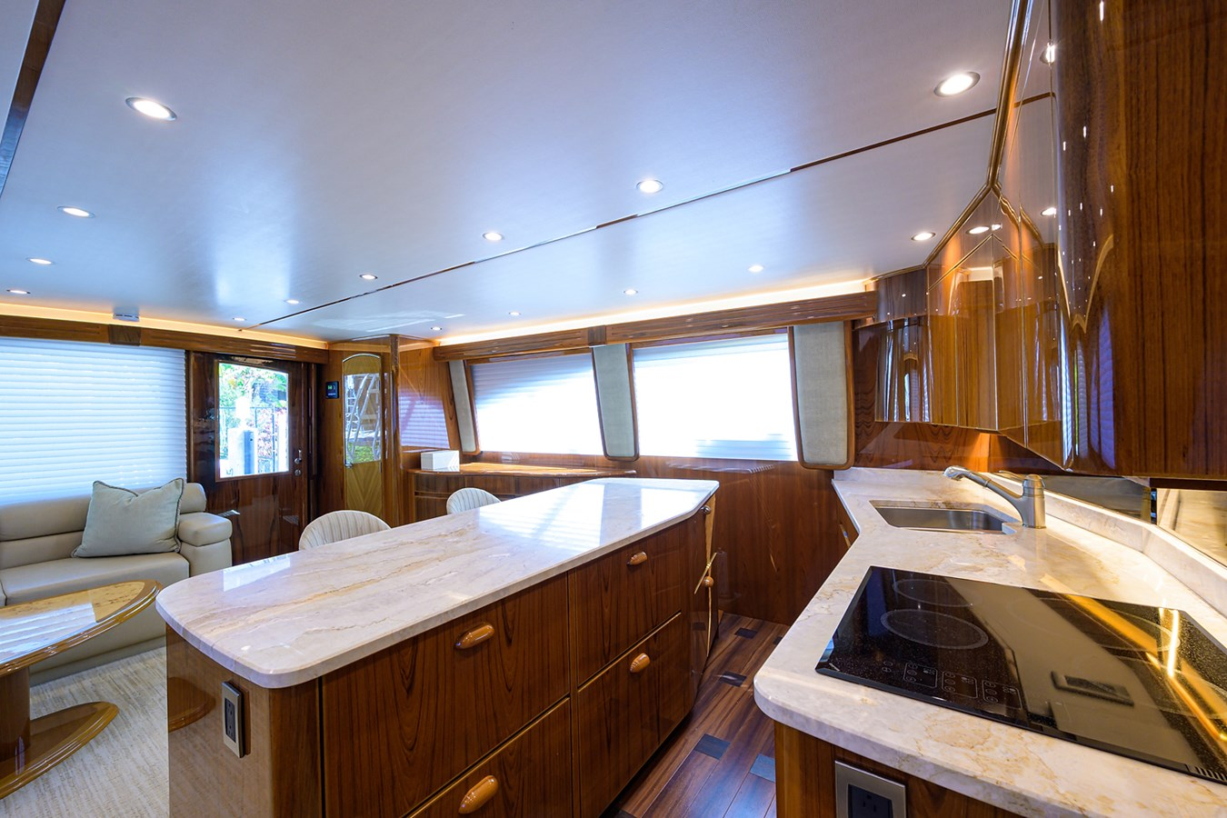 Galley 2014 VIKING Convertible Sport Fisherman 2901160